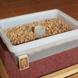 Futterhäuschen / Futtereimer 5 Liter (3 kg Zucker)